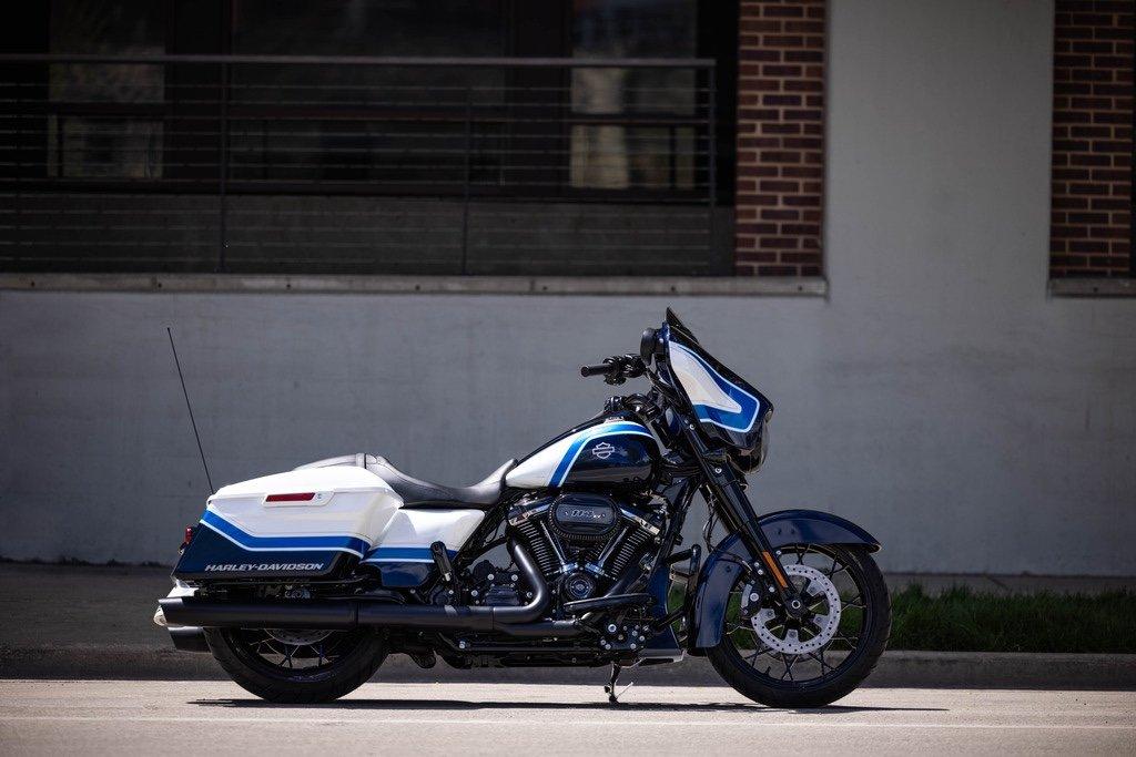 Harley-Davidson präsentiert die Street Glide Special in Arctic Blast 4