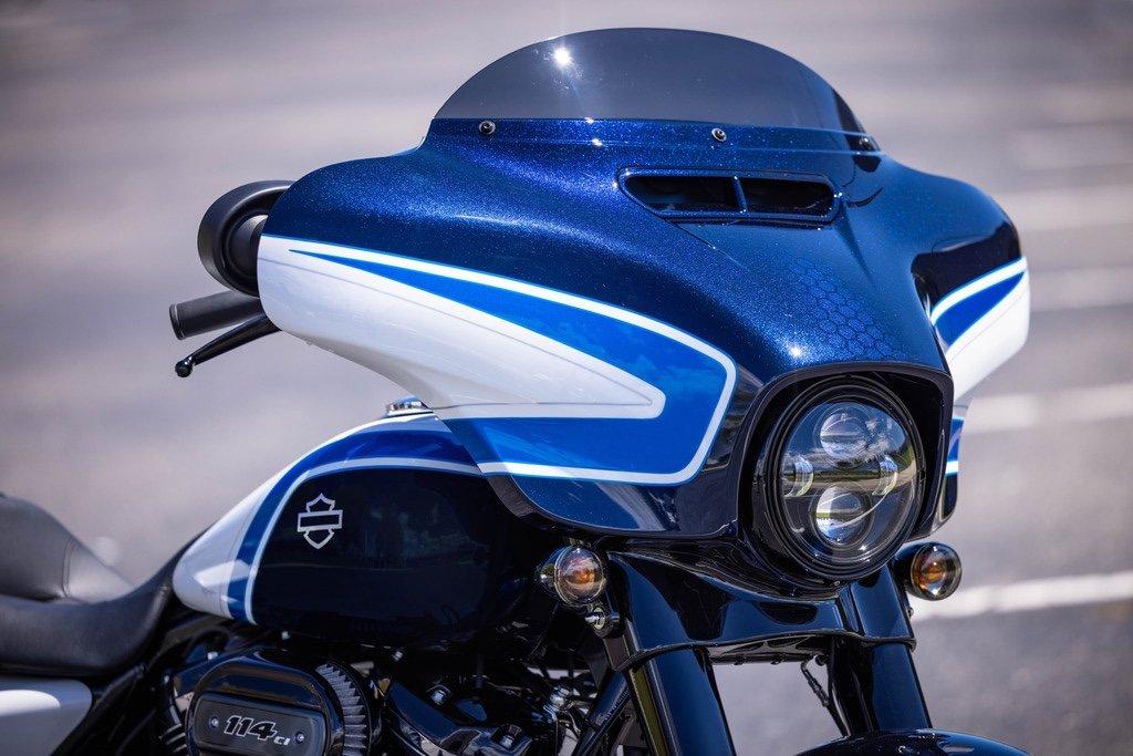 Harley-Davidson präsentiert die Street Glide Special in Arctic Blast 1